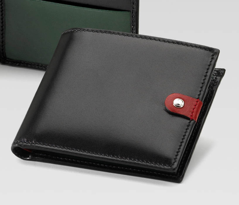 Shapely Men Leather Wallets